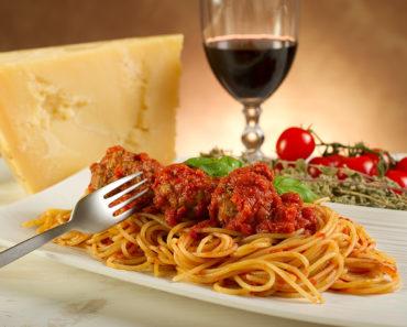 Spaghetti with Meatballs – Classic Italian Recipe