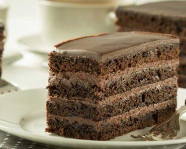 Easy Chocolate Crème Cake Slice