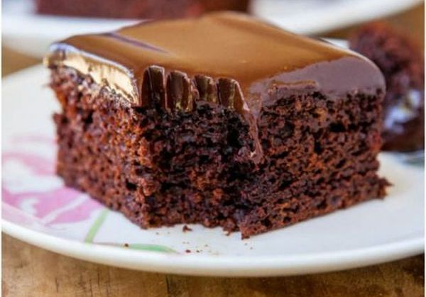 Manuka Honey Chocolate Cake