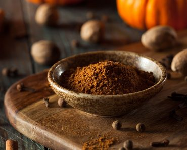 Homemade Pumpkin Pie Spice (Traditional American Recipe)