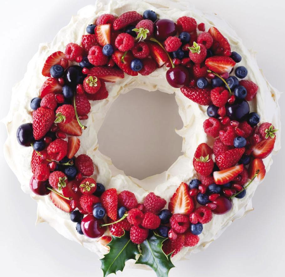 Flawless Christmas Pavlova Wreath