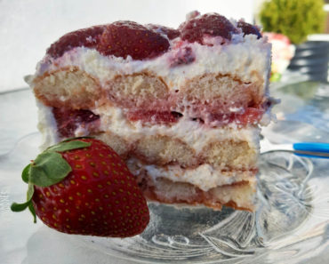 Strawberry and White Chocolate Tiramisu (Coffee-Free)